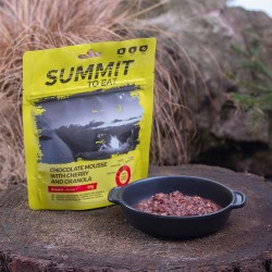 SUMMIT TO EAT Čokoládová pena s granolou a čerešňami